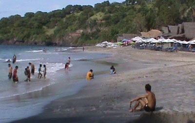 Pantai Pasir putih Prasi / Virgin Beach