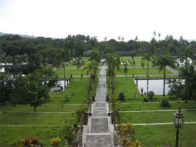 Objek wisata Taman Soekasada Ujung